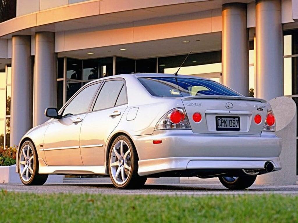 2005-lexus-is-300-1