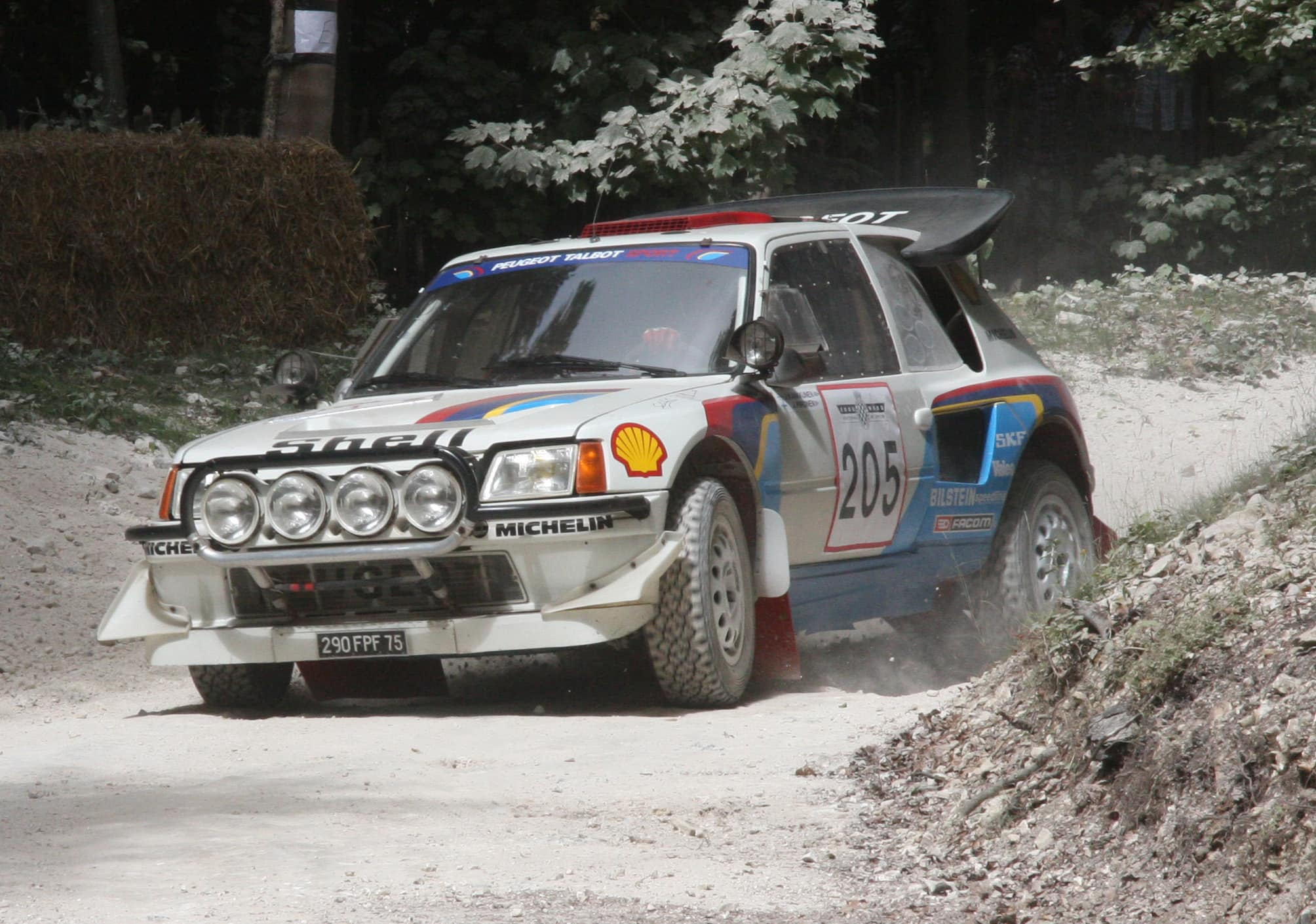 Peugeot_205_T16_-_Flickr_-_exfordy