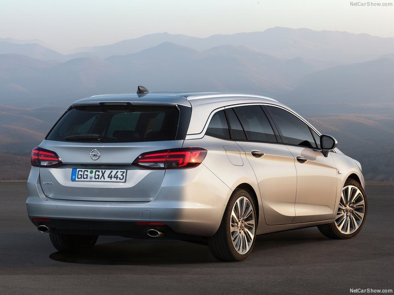 Opel-Astra_Sports_Tourer_2016_800x600_wallpaper_09