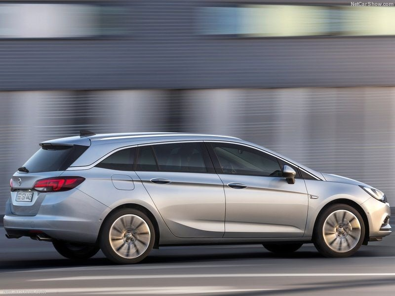Opel-Astra_Sports_Tourer_2016_800x600_wallpaper_0b