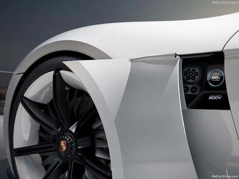Porsche-Mission_E_Concept_2015_800x600_wallpaper_09