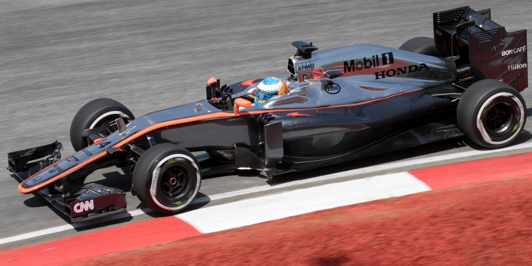 Fernando_Alonso_2015_Malaysia_FP2