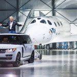 Range Rover Autobiography vlečným vozem raketoplánu