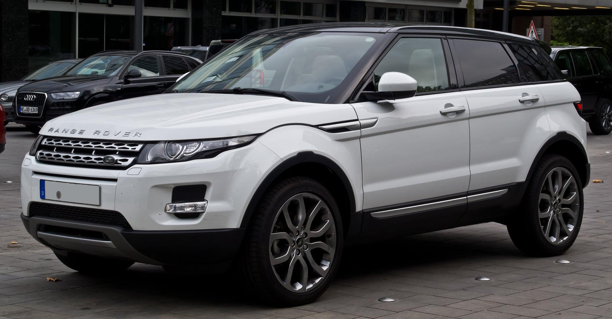 Range_Rover_Evoque_SD4_4WD_Prestige_–_Frontansicht,_12._Juli_2014,_Düsseldorf