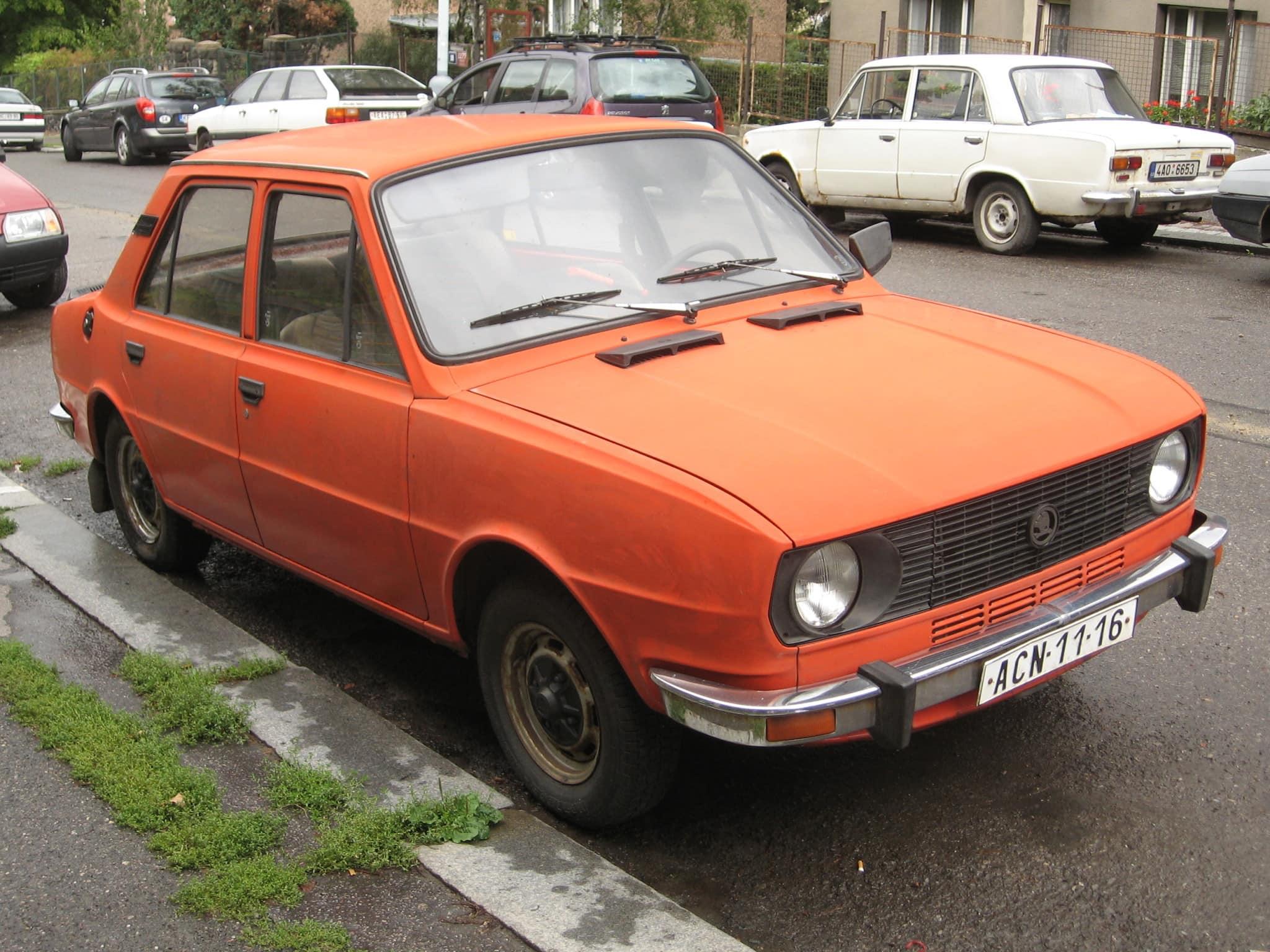 Skoda_105S_-_front