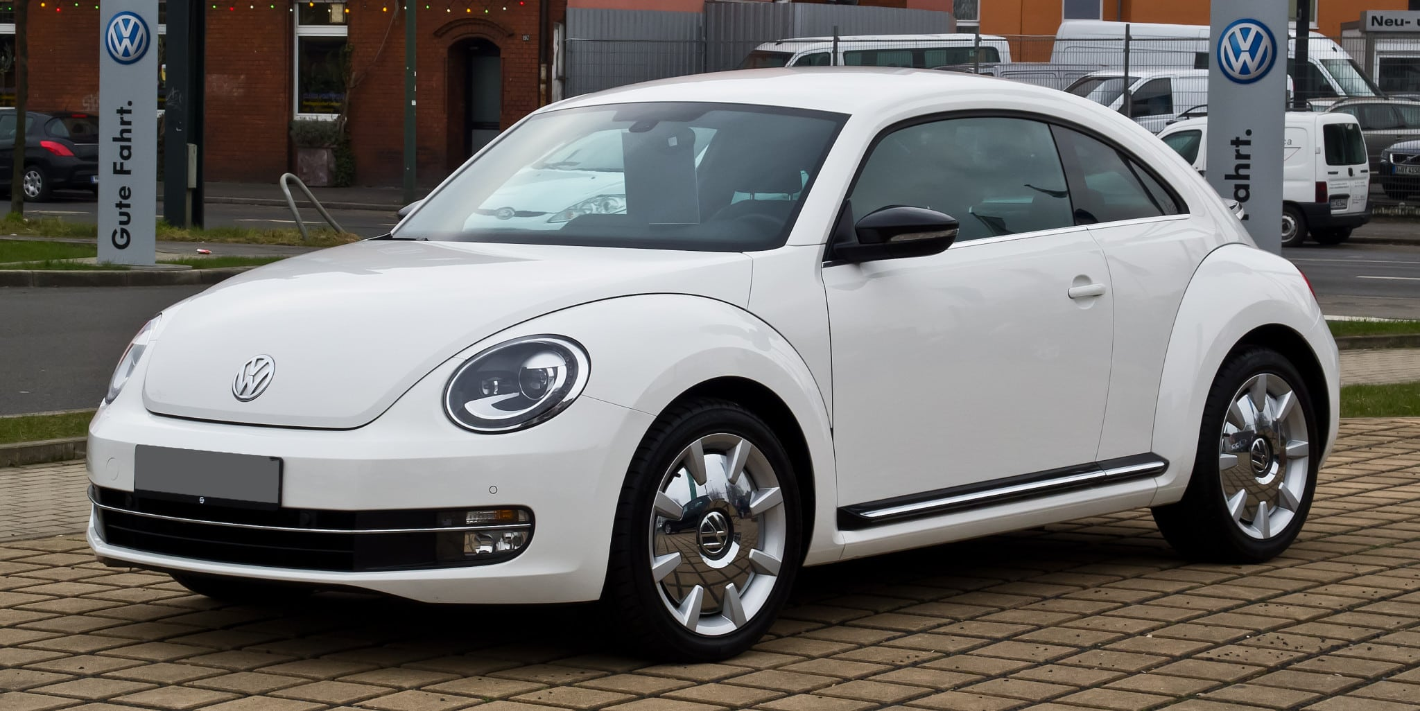 VW_Beetle_1.4_TSI_Sport_–_Frontansicht,_3._März_2013,_Düsseldorf