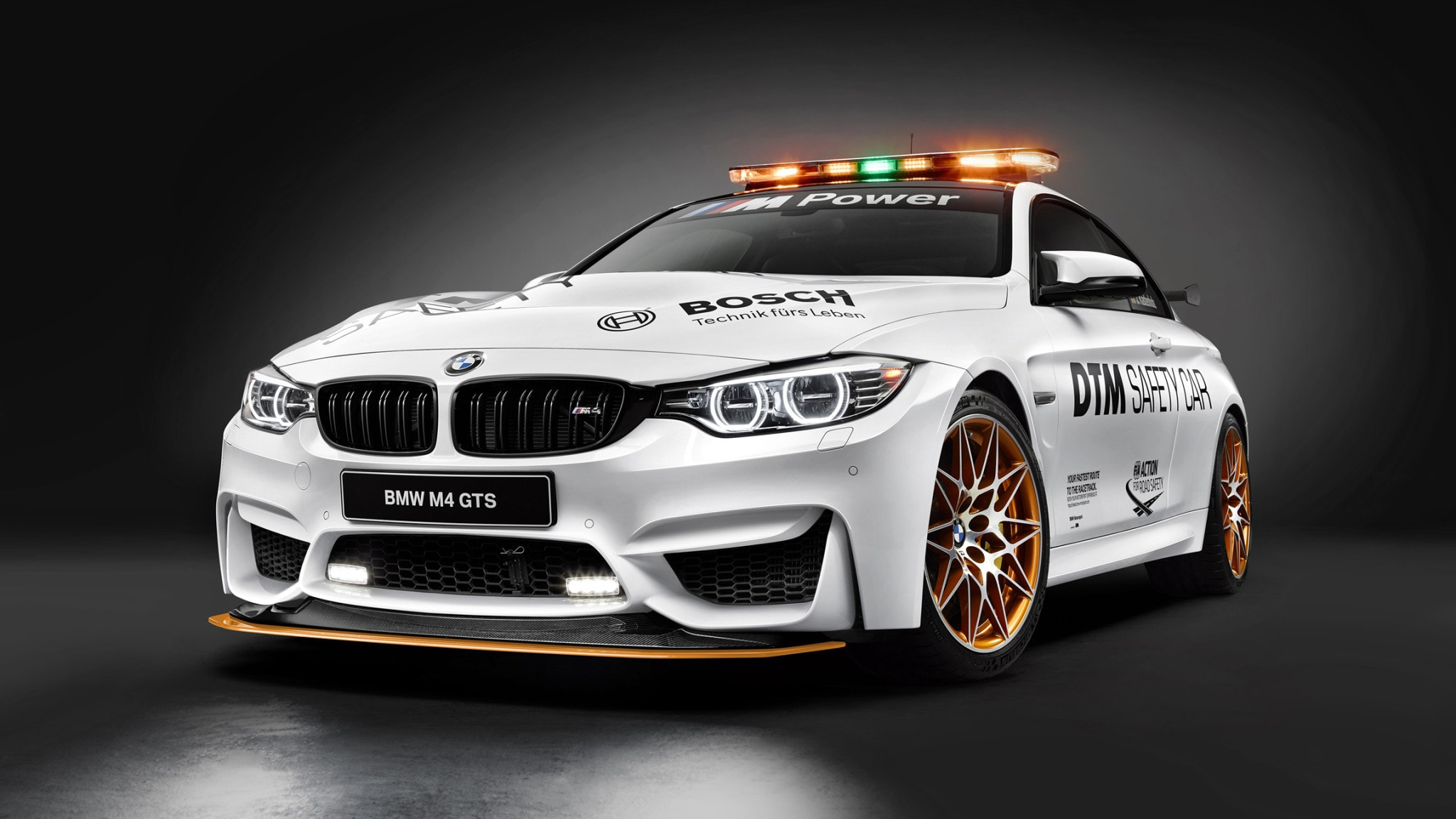 p90217500-highres-bmw-m4-gts-dtm-safet-1