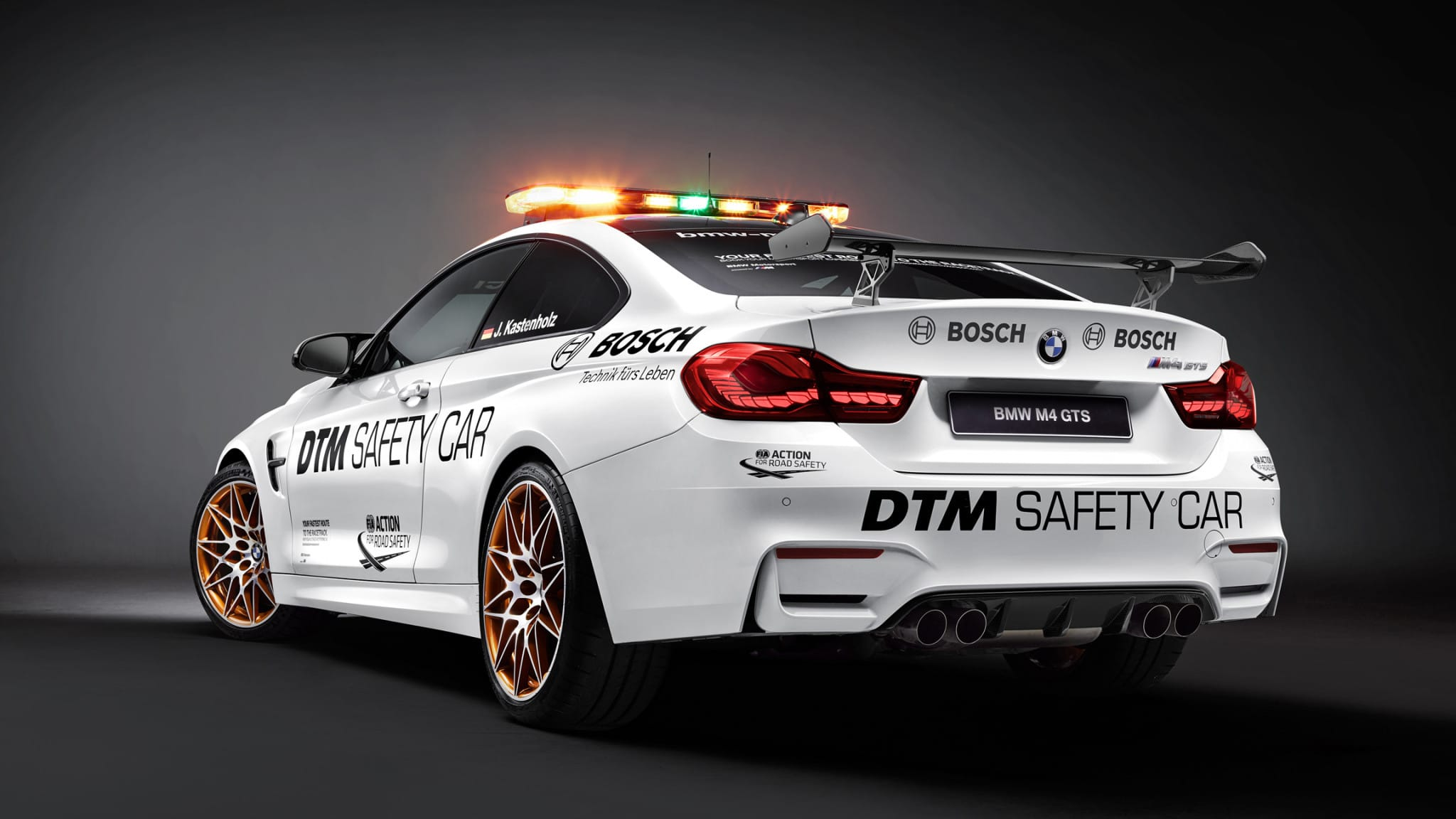 p90217501-highres-bmw-m4-gts-dtm-safet-1