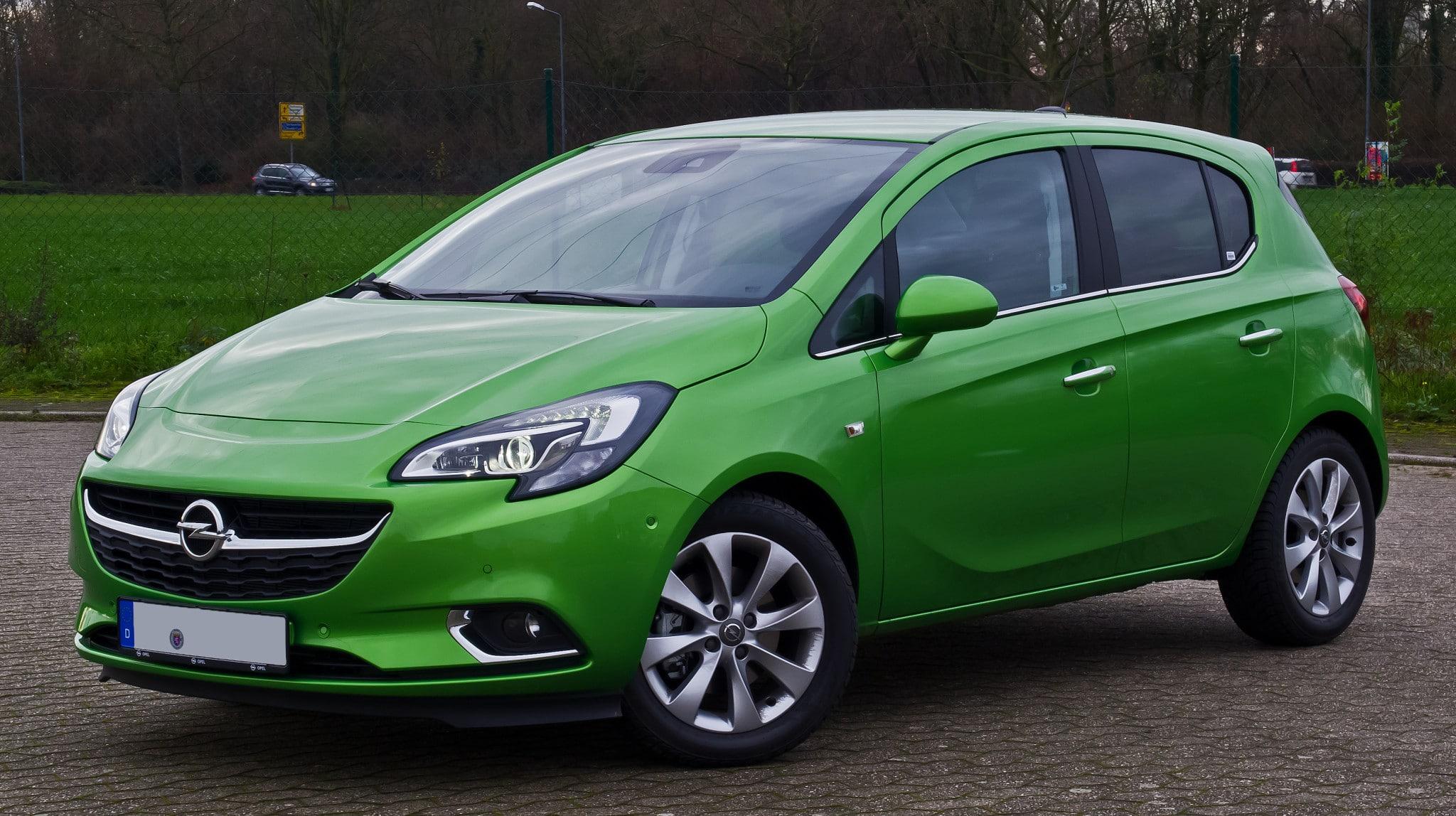 Opel_Corsa_1.3_CDTI_ecoFLEX_Innovation_(E)_–_Frontansicht,_24._Dezember_2015,_Ratingen