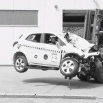 Jak dopadne Opel při srážce se stromem?