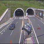 Sestřih děsivých nehod ze slovenských tunelů.