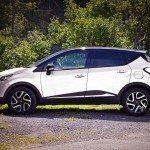 České rodiny preferují SUV v bílé barvě