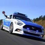 Policejní Mustang vyrazil dech přihlížejícím v Essenu
