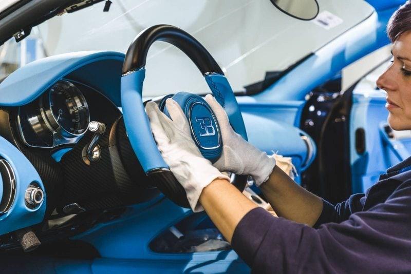 Bugatti_Chiron_vyroba_13_800_600