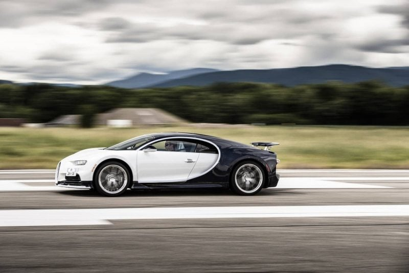 Bugatti_Chiron_vyroba_14_800_600