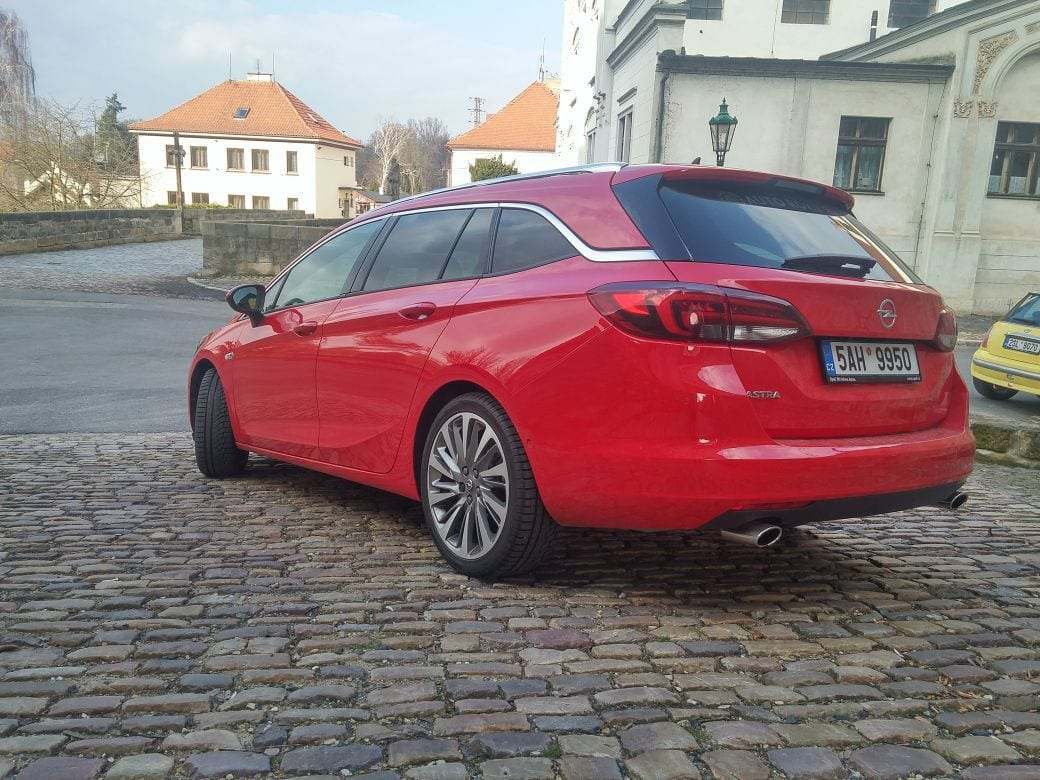 Opel Astra ST 1.6 200k(4)