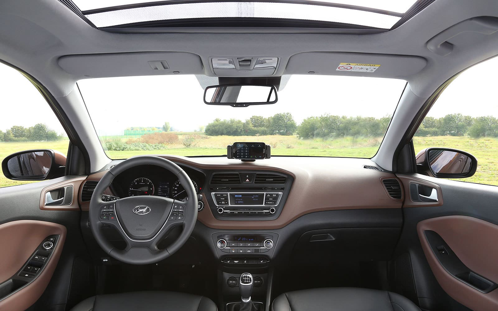 new-generation-i20-interior-13-1600×1000@2x