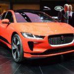 Elektrický Jaguar dělá z Tesly pouhou hračku