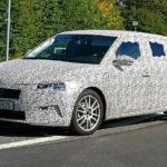 Ještě horké fotky! Škoda Rapid 2019 nafocena při testech