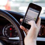 Na Slovensku neotálejí: Přísná ruka nad mladými řidiči a telefony za volantem