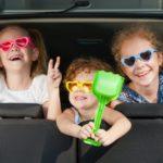 Cestování autem s dětmi. Co dělat, aby byla cesta co nejpříjemnější?
