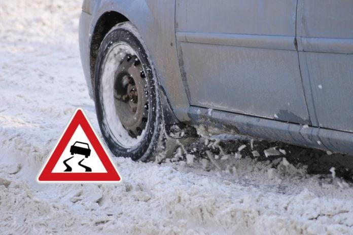 5 rad pro bezpečnou jízdu na náledí a sněhud pro bezpečnou jízdu na náledí a sněhu